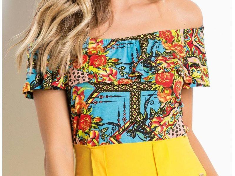 Blusa Floral Com Decote Ombro A Ombro Quintess