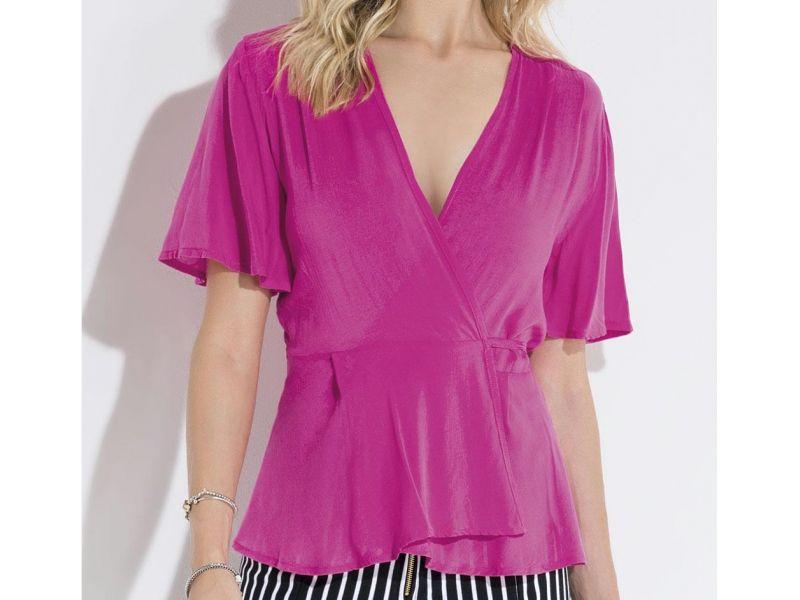 Blusa com Transpasse e Tiras Pink Quintess