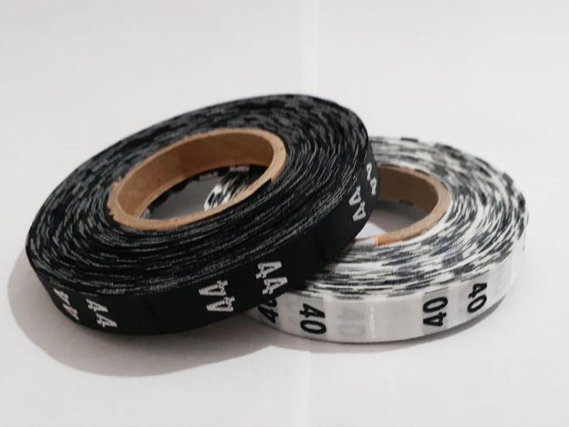 Etiqueta Tafetá Bordada - Rolo 20 metros - Numeração - (201 até 500 unid.)