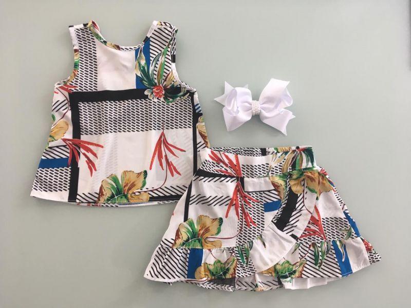 Conjunto Infantil - Estampa Floral - Fundo Geométrico Preto e Branco